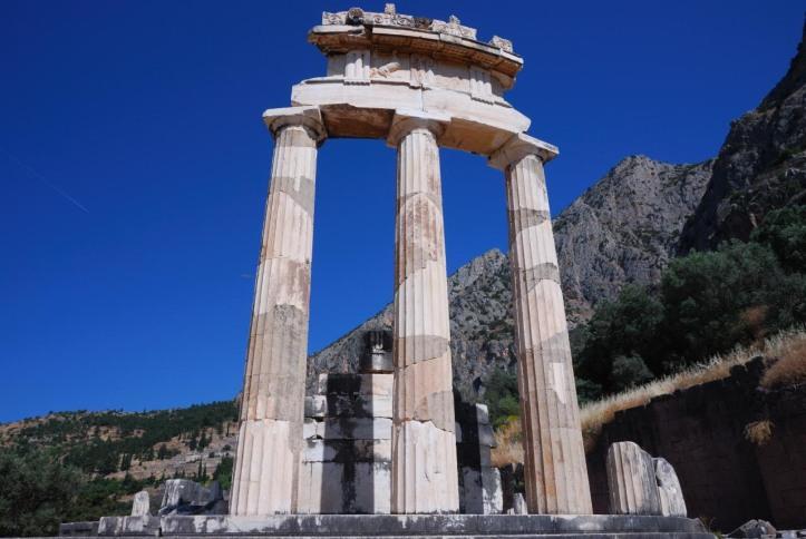 temple_daphrodite_delphe